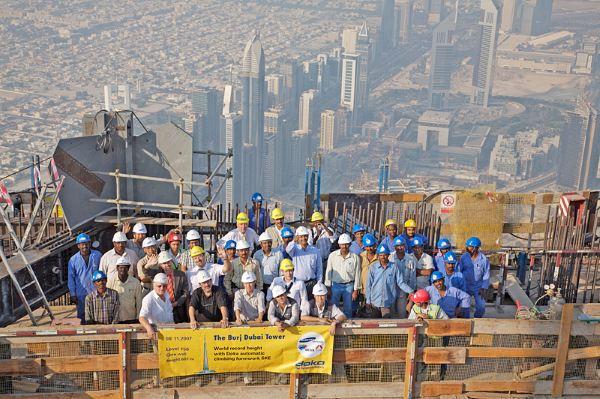 Công nhân Việt Nam làm việc tại Dubai